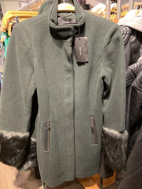 Wool - Mantel